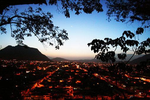 La ciudad de Orizaba Veracruz al amancer. Toma desde el Cerro del Borrego.
